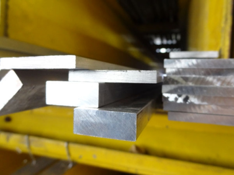 Alumínium laposrúd